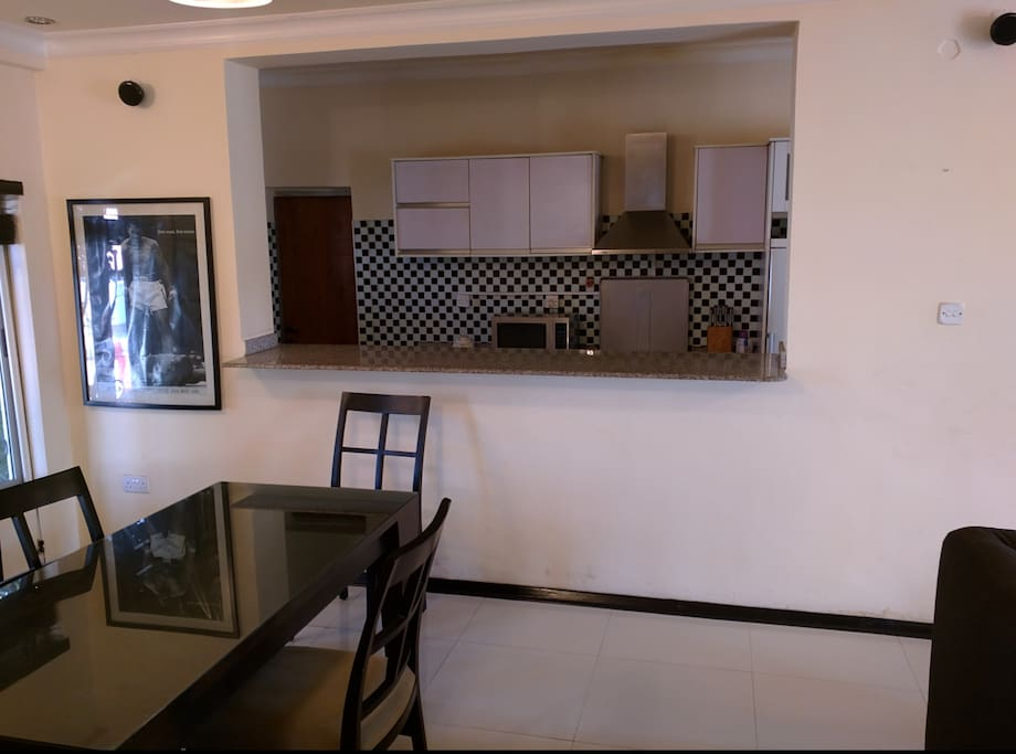 Dinning Area and Breakfast Bar