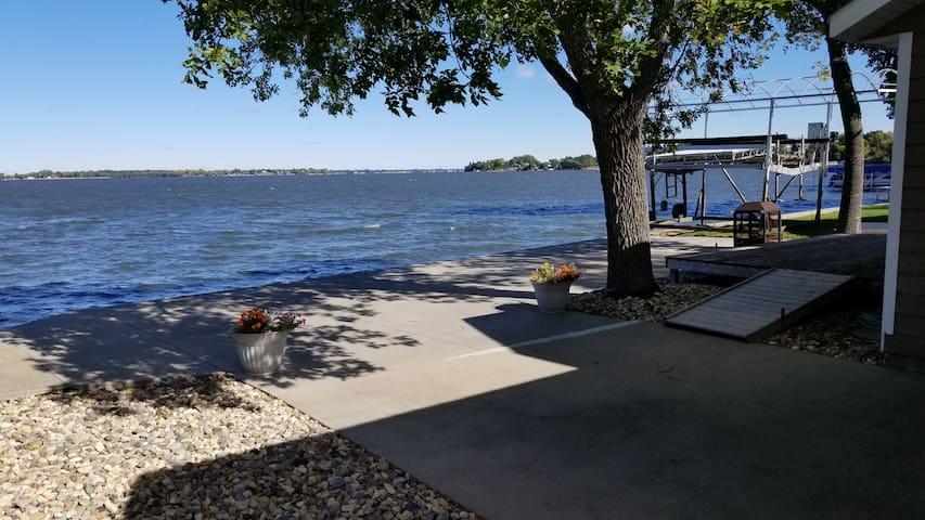 Freshly Remodeled Cabin Living! - South Lake Kampeska, Watertown, SD