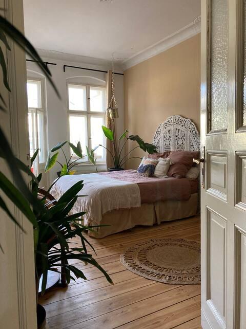 Helle stylische Altbau Wohnung, typisch Berlin