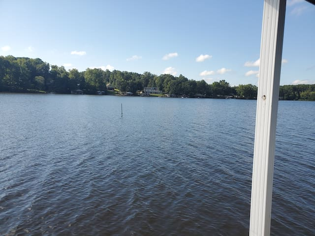 LOVELY  Lake Gaston