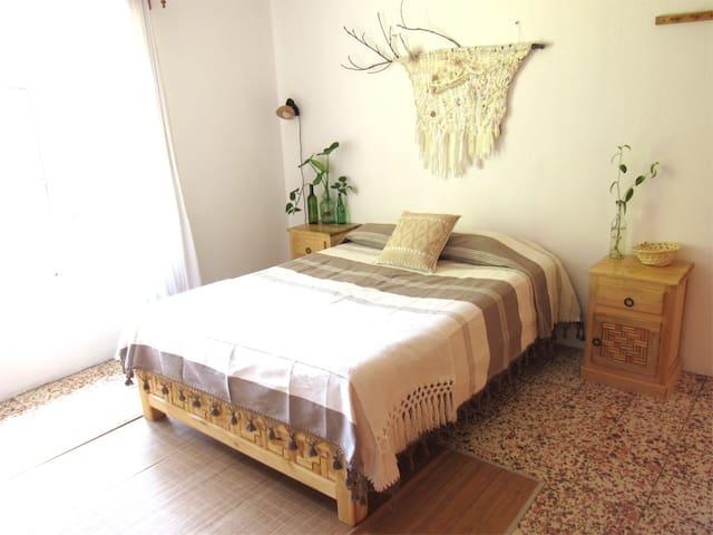 House Arcadia - Nah' Cab Room