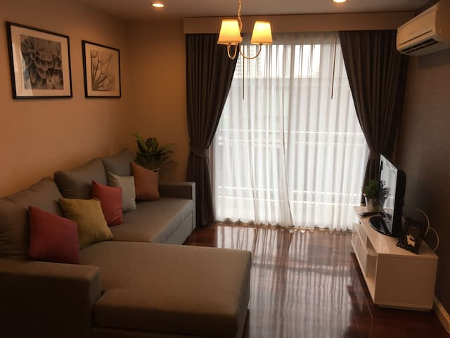 51sqm 1 cozy bedroom at 49 Plus - Khlong Toei Nuea - Daire