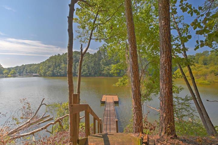 Pet Friendly Toccoa Home w/Deck+Lake Access!