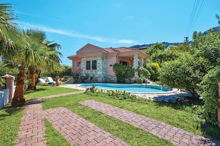 Lovely Villa with private pool in own garden - Dalyan