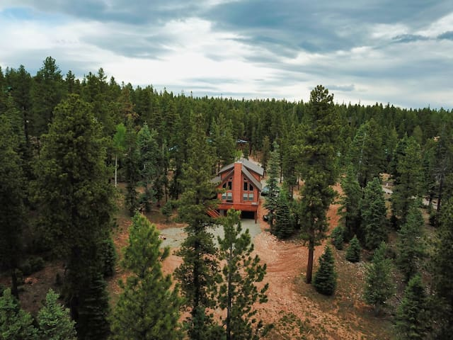 NEW! Cabin w/Theater In Duck Creek by Bryce/Zions