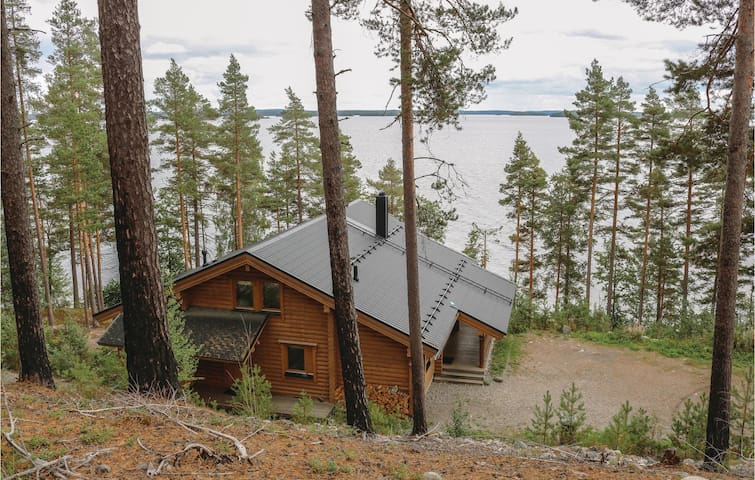 Holiday cottage with 4 bedrooms on 143m² in Asikkala
