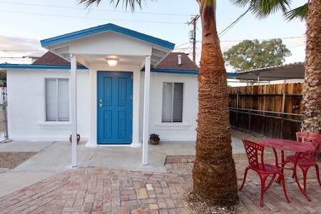 Desert Oasis Guesthouse, Ajo's Historic District