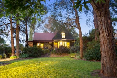 Collins Street House in Red Hill