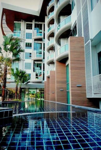 Amazing Ocean View and Beachfront - Bang Phra - Condominio