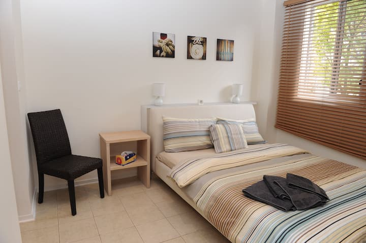 Apartment with lake + beach accsess, WIFI & Aircon