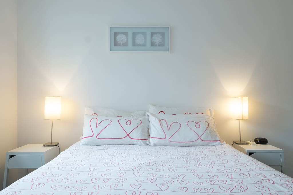 Large Queen size bed