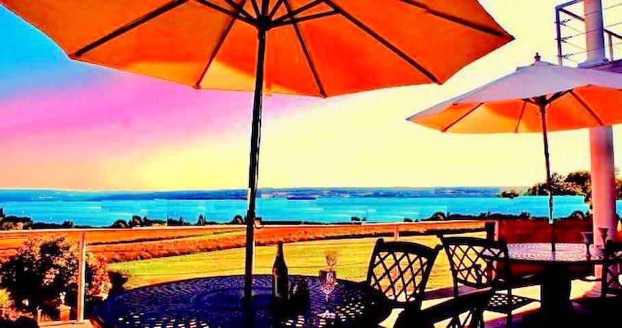 Cayuga Lake Inn Room / Inn /Social Distance Events