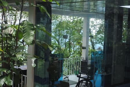 Glass Rooms Accommodations adam's peak -Family