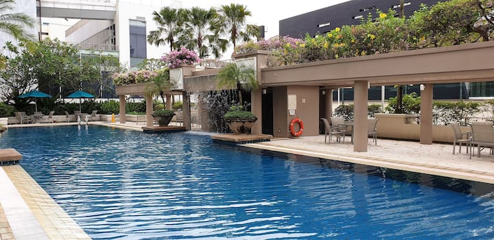 Cozy Private Room with Pool-View @ Bugis!