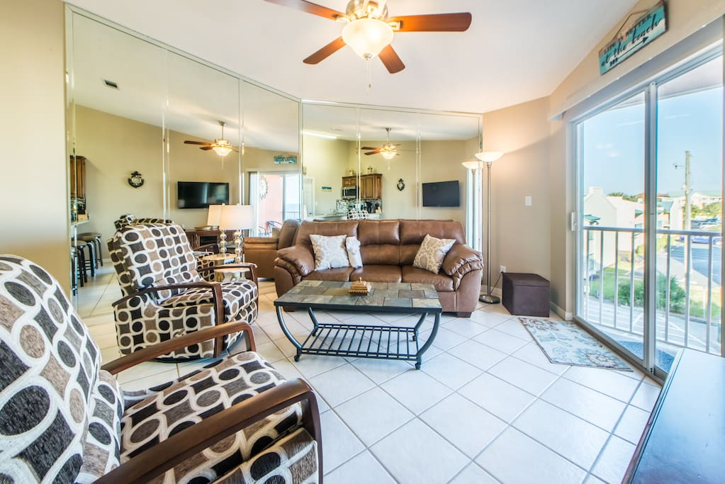 Updated furnishings and balcony access in living