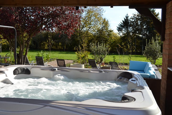 Treetops Cottages & Spa (Exclusive Hire)