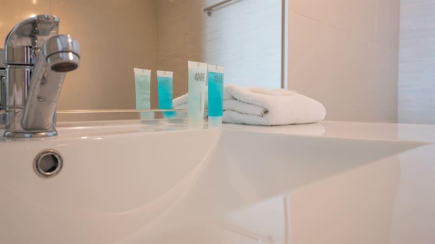Savannah - Studio Spa - reno bathroom