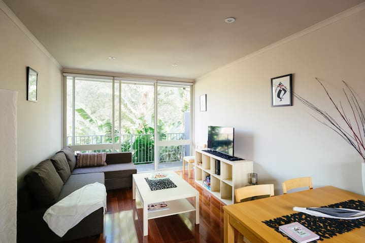 ** ELWOOD - SUPER CLEAN PRIVATE APARTMENT