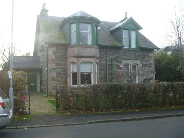 Upper Flat in Rhu near Helensburgh