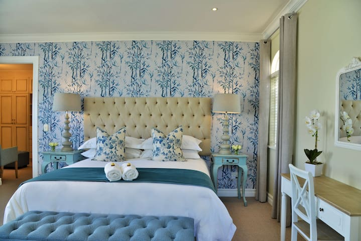 Mont d'Or Hyde Park - Luxury Room