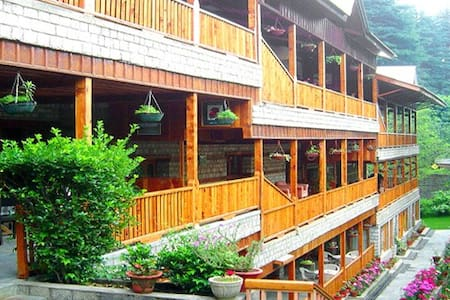 Beautiful Log made Hotel - Manali