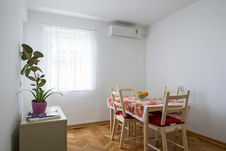 Apartment SLAVIJA SQUARE/CLINICAL CENTER of Serbia