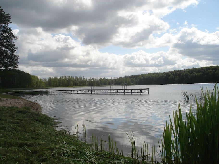 Jezioro w Dzierżąźnie