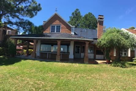 Casa sobre Río Paraná, vacaciones familiares.