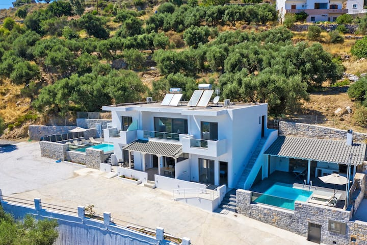 Spectacular Sea View Villa,Near Taverns & Sandy Beaches 2