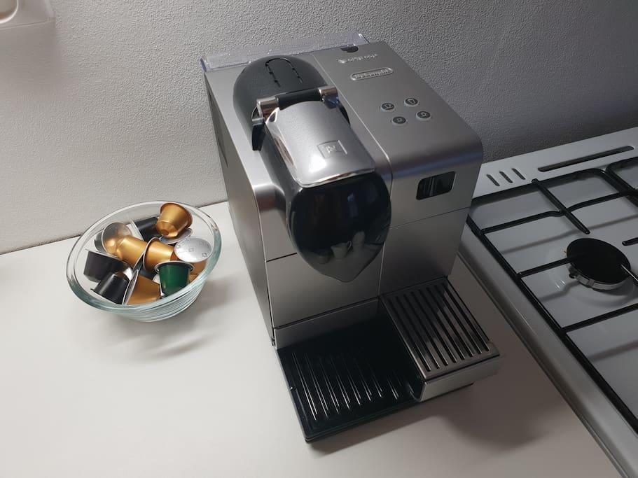 Kávovar Nespresso hostům k dispozici. :-)