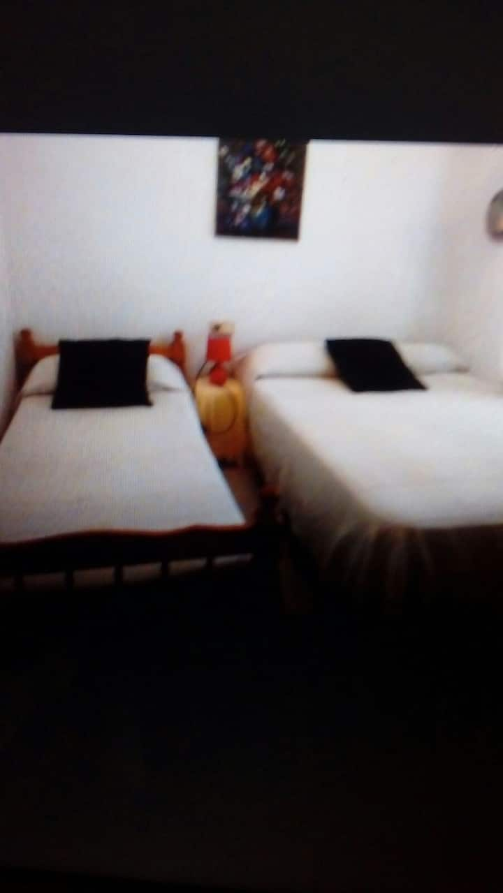 Habitación doble, parejas, estudiantes,vacaciones.