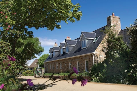 Le Petit, Sark - luxurious living for up to four