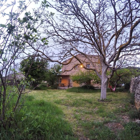 Els Arners, Muntanyes de Prades - El Pinetell - House