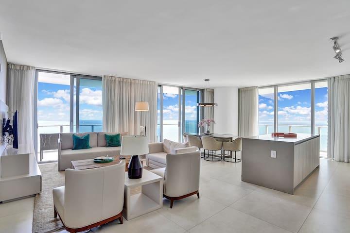 Hyde Resort 3Bedroomss/3Bath Ocean front, 15 floor