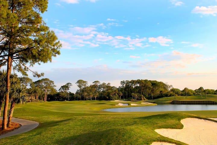 Sawgrass Country Club Condo (Golf & Beach access) - Ponte Vedra Beach - Apartment