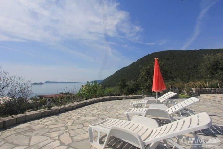 Villa Anzhero (Zanjice beach (Lustica)) - ME - House