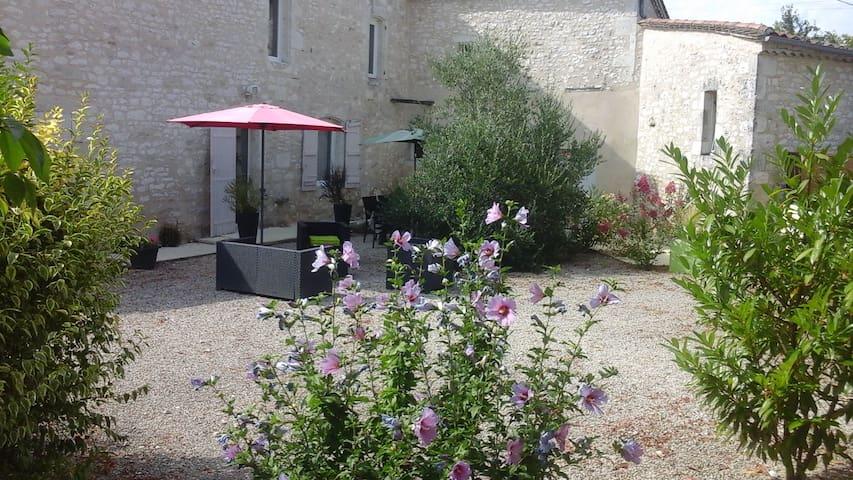 Maison des tilleuls - Razac-de-Saussignac - House