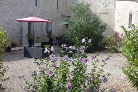 Maison des tilleuls - Razac-de-Saussignac - Haus