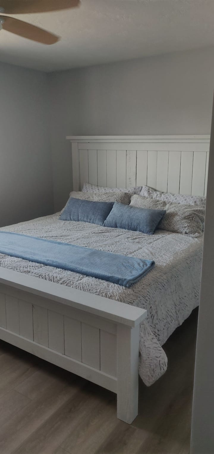 Private bedroom with new furniture / king size bed
