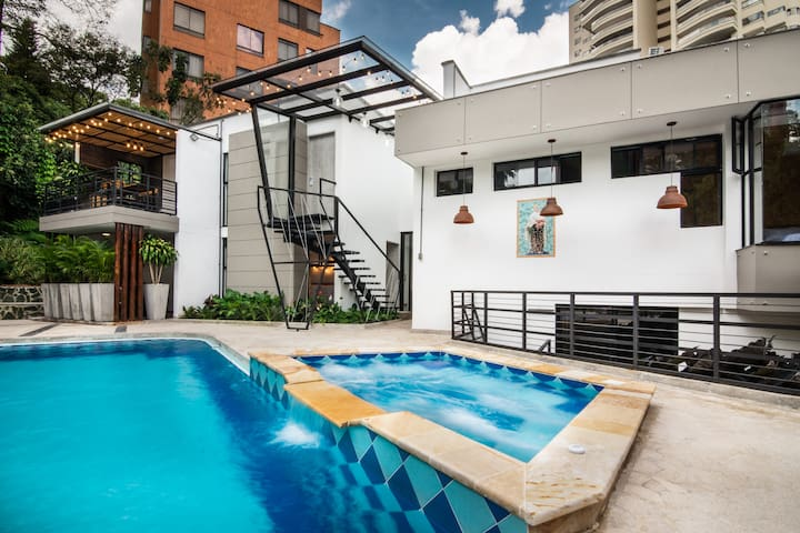TOP QUALITY apartment in POBLADO, near GOLDEN MILE
