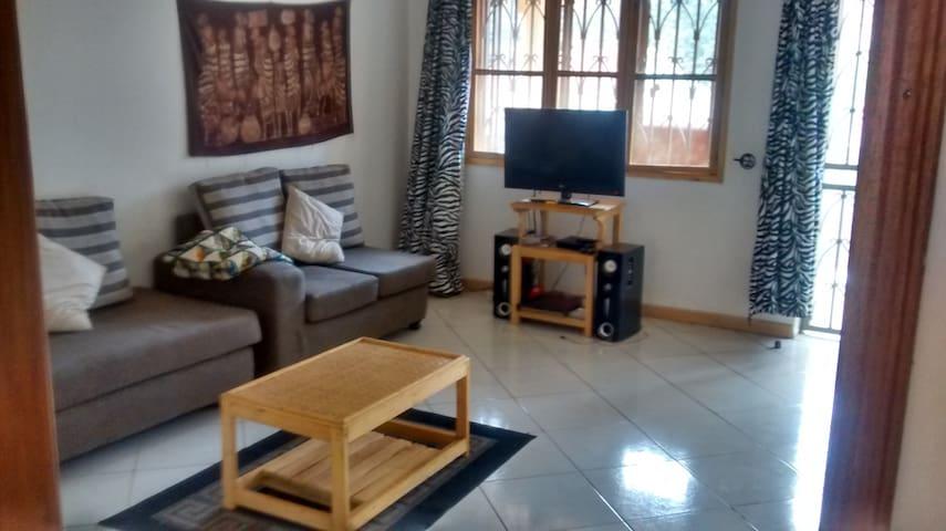 The lemony feel house-room in 3 bedroom apartment - Kampala - Lägenhet