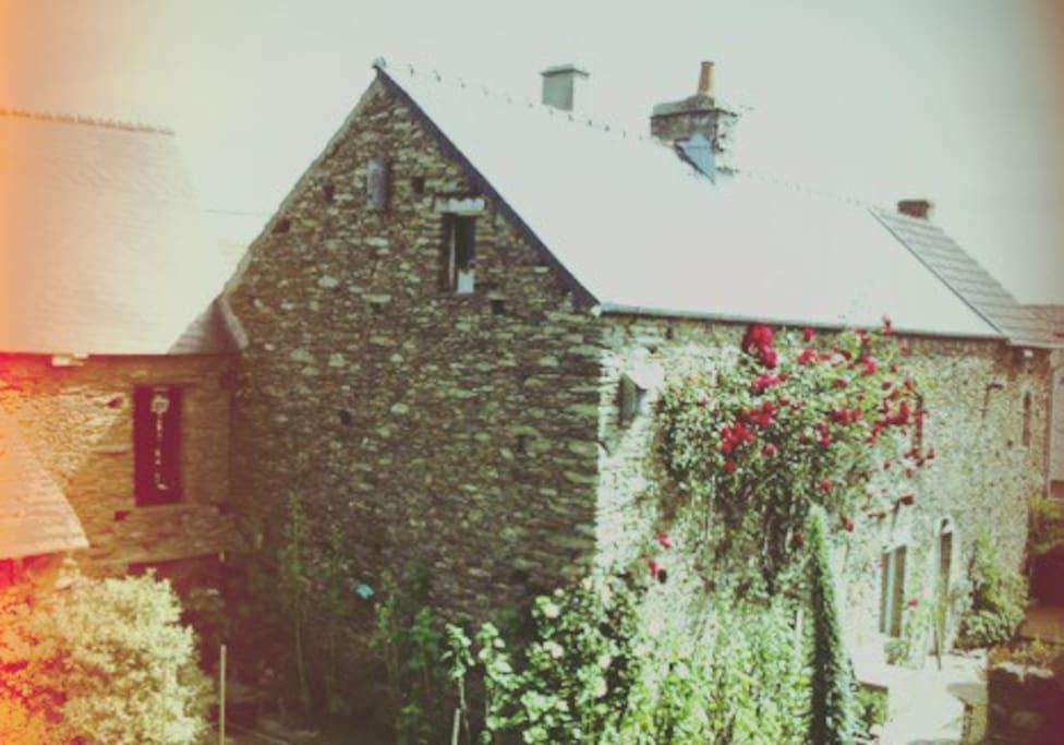 La maison côté jardin.