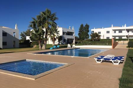 Apart (B) near the beach with pool  SALGADOS AREA - Pêra