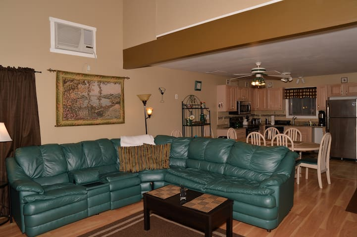 2 minute Walk to Slopes on the mountain  0 - Tannersville - Casa