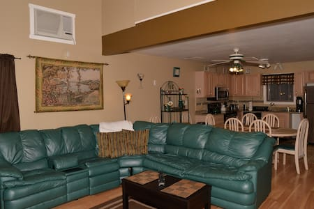 2 minute Walk to Slopes on the mountain  0 - Tannersville - Huis