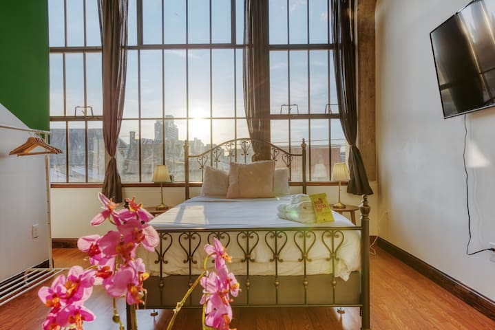 Sosuite | Light-filled Loft w. discounted Parking