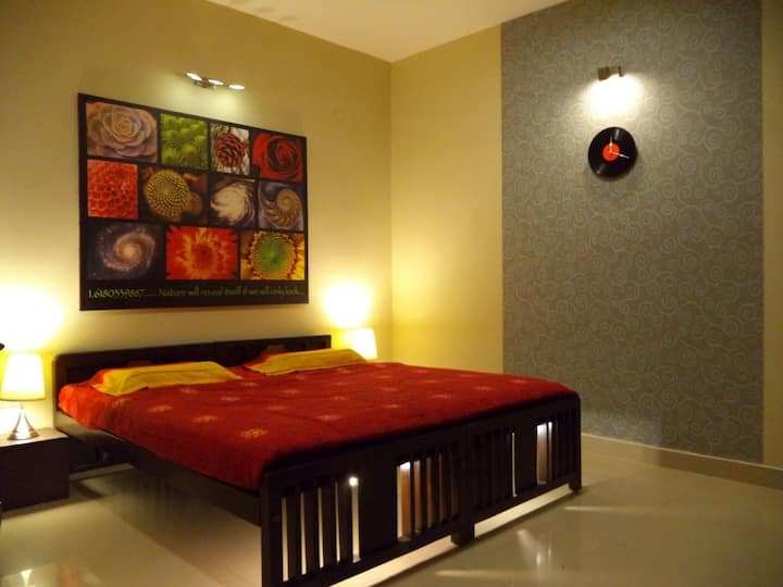 Posh Apartment Stay for a solo Traveller at Mysore