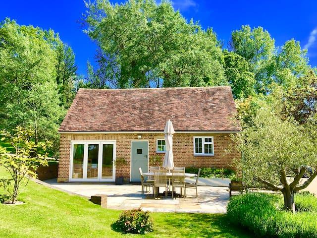 The Cottage at Udiam Farm