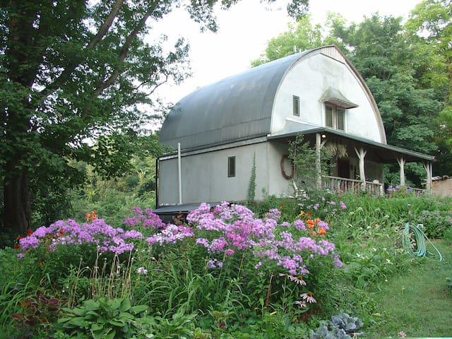 Onion Creek Farm suite combining East & West rooms