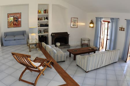 Villa spaziosa a pochi passi dal mare - San Felice Circeo - Villa